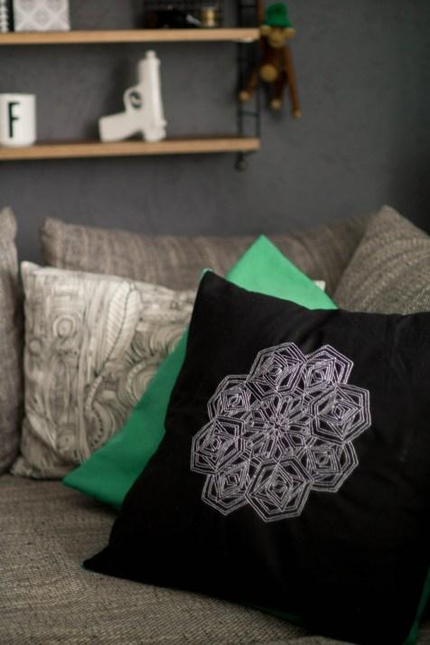 Kissen DIY Nähen Sticken Hotelverschloss schwarz weiß grün Samt-15