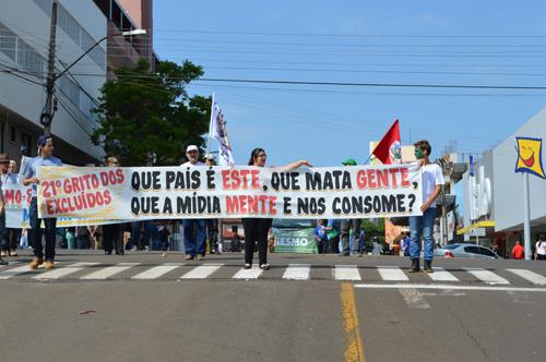 """Grito dos Excluídos\as deste ano denúncia a mídia e anuncia: """"Não haverá golpe no Brasil"""""""