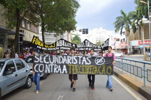 Repressão a estudantes em Goiás conta com cumplicidade da mídia