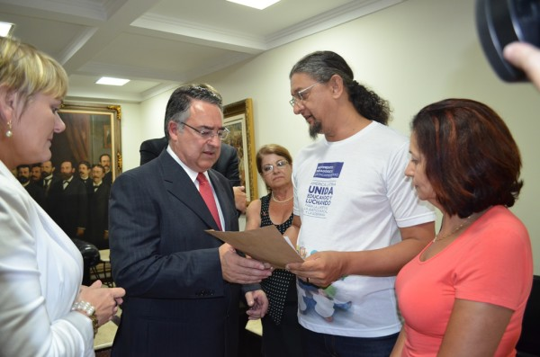 Colombo afirma na ALESC que vai trabalhar para derrubar o reajuste de 11,36% do piso do magistério