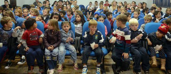 Municípios podem aderir ao Circuito Estadual de Cinema Infantil Municípios podem aderir ao Circuito Estadual de Cinema Infantil