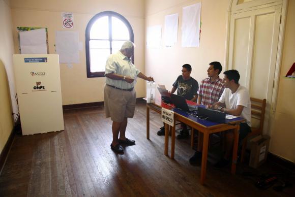 Eleições no Peru: Kuczynski lidera com 50,8%; Keiko Fujimori tem 49,19%