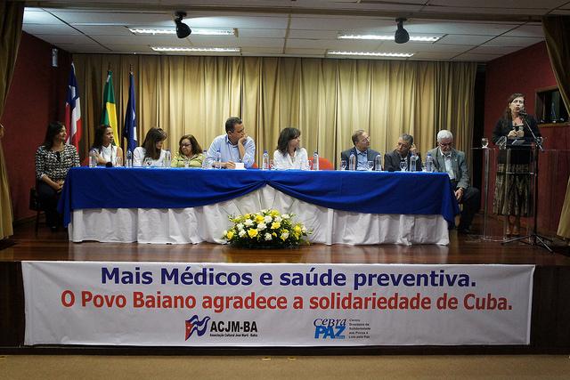 3 anos de Mais Médicos: Doutores cubanos são homenageados pelo governo da Bahia