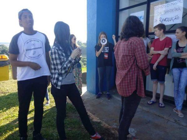 Estudantes dos cursos de comunicação prosseguem com a ocupação em Frederico Westphalen