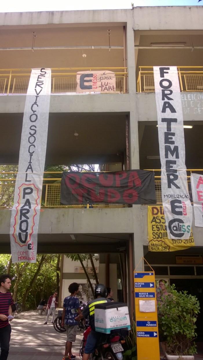 Centro Socioeconômico da UFSC: OCUPADO!