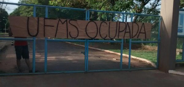 Alunos da UFMS são perseguidos pela PM em Três Lagoas (MS)
