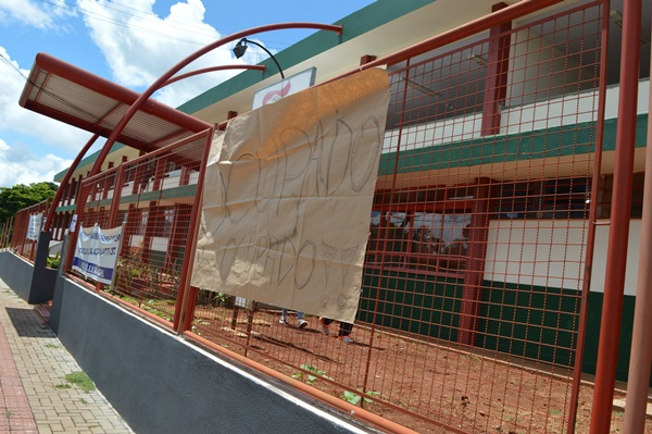 São Miguel do Oeste/SC: Escola São Miguel Ocupada