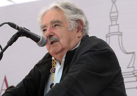 O mercado é que impõe as decisões, não o governo, diz Mujica