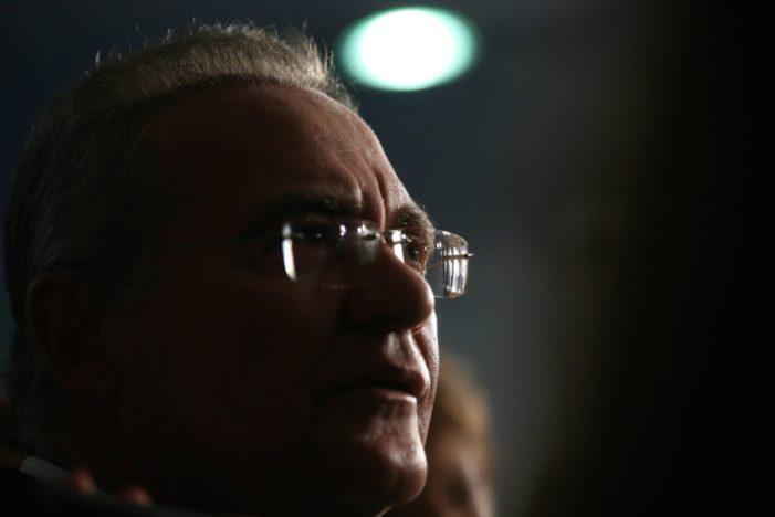 Maioria do STF aceita denúncia contra Renan por peculato