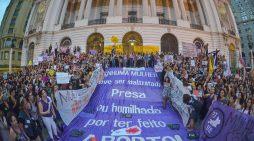 Aborto continua sendo ilegal no Brasil; entenda o impacto da decisão do STF
