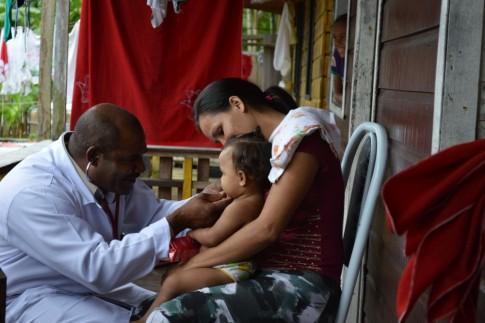 O médico cubano, os missionários e as ervas