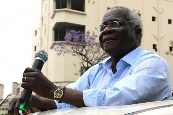 Líder da Renamo prolonga trégua em Moçambique