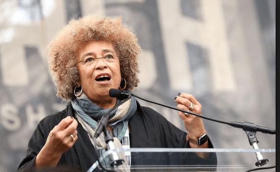 Íntegra do discurso de Angela Davis na marcha das mulheres contra Donald Trump