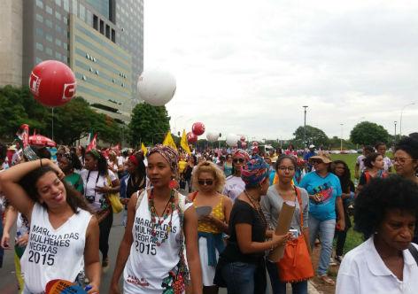 Efeito Temer: Negros e mulheres são mais vitimados pelo desemprego