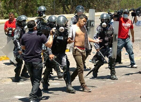 Honduras: 5 horas de repressão