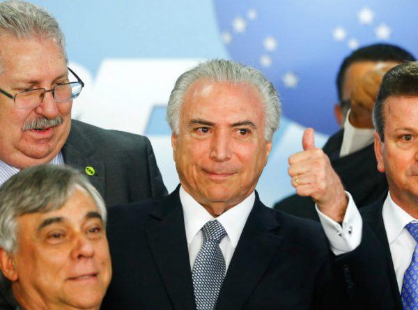 """Em mensagem, Temer critica Dilma: """"verdade triunfou sobre o ilusionismo"""""""
