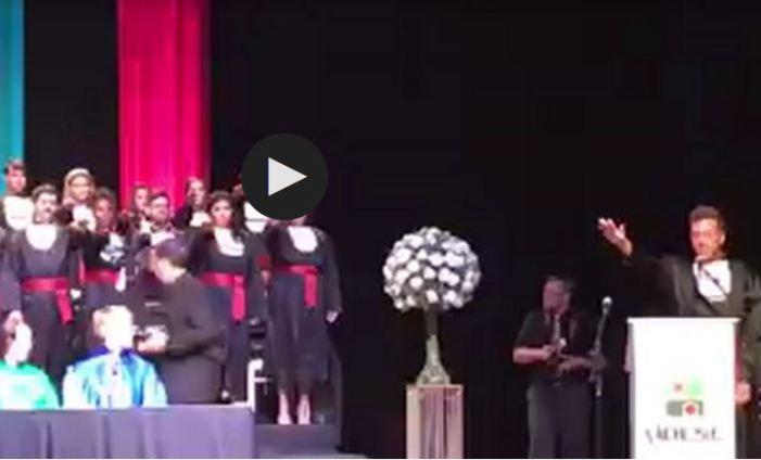 Formandos fazem juramento inusitado em Santa Catarina: Fora Temer