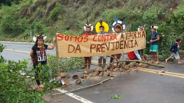Comunidades indígenas realizam mobilização na BR 386 contra a precarização da Funai