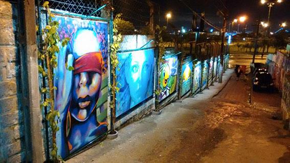 Artistas plásticos e grafiteiros ampliam galeria de arte urbana em comunidade de Florianópolis