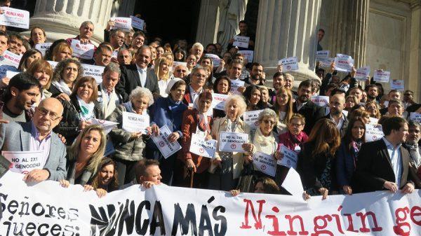 Senado da Argentina aprova lei que veta alívio de pena a agentes da ditadura