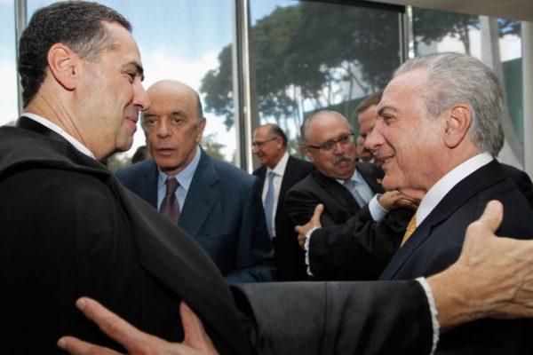 Barroso libera ação que avalia eleições diretas para escolha de sucessor de Temer