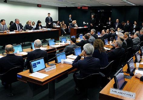 Comissão aprova 15 anos de contribuição para aposentadoria rural