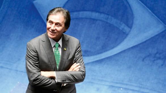 Senador, que vai conduzir a Reforma Previdenciária, deve milhões para Previdência