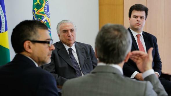 Executiva do PSB quer oficializar saída do governo neste sábado