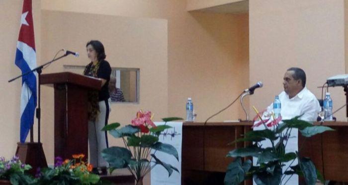 """Em Guantánamo, Socorro Gomes denuncia bases militares, """"postos avançados do imperialismo"""""""