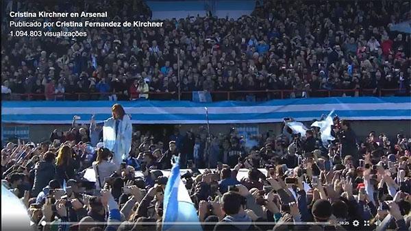 Em ato público, Cristina lança frente partidária e critica 'agressão neoliberal' de governo Macri na Argentina