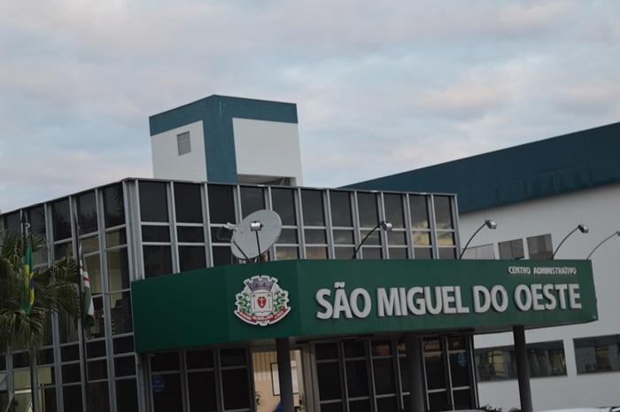 """""""Só estou tentando marcar uma reunião"""", fala Presidente da Acredh ao reclamar de atendimento na Prefeitura"""