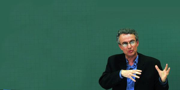 Meritocracia é discurso para manter a desigualdades, diz historiador