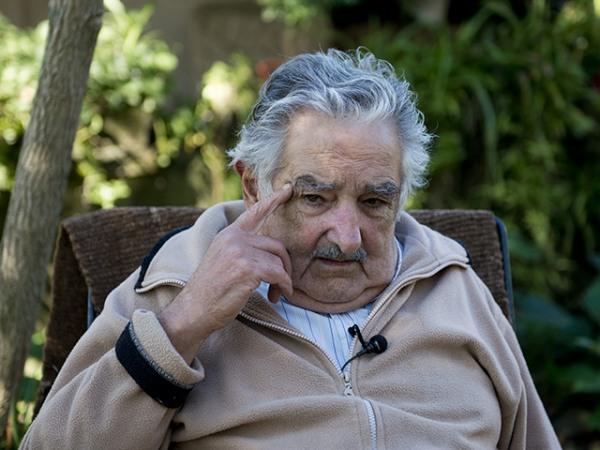 Mujica questiona qual a solução para a corrupção no mundo capitalista