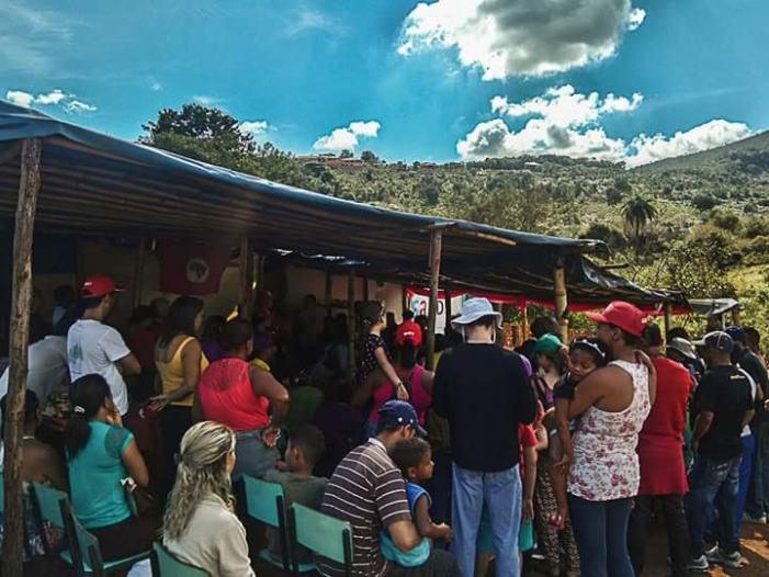 Acampados e acampadas nas terras de Eike Batista lutam para evitar despejo