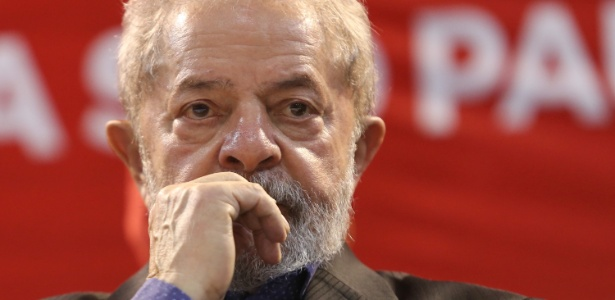 Moro condena Lula a 9 anos e meio de prisão