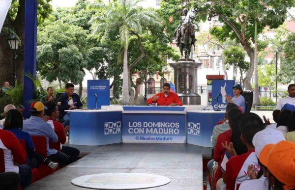 Nicolás Maduro volta a convocar a oposição para um acordo de paz