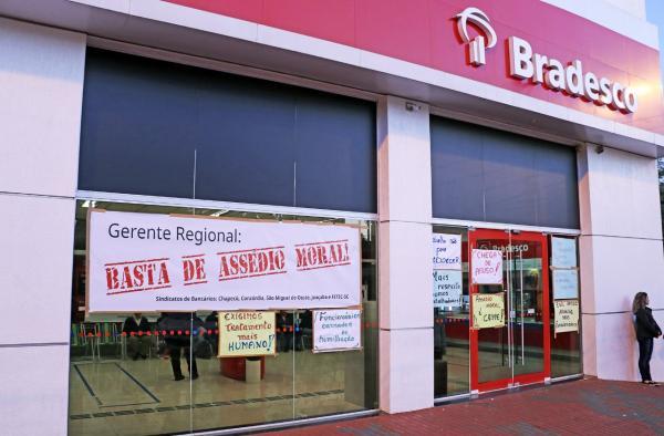 Denúncias de assédio moral fecham agência do Bradesco em Chapecó