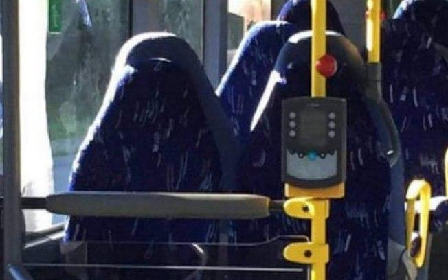 Grupo xenofóbico confunde bancos de ônibus com mulheres de burca em foto