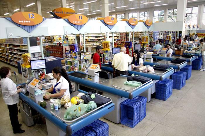 Temer quer tirar até direito feriados dos trabalhadores em supermercados