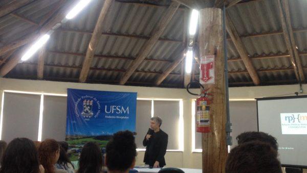 Palestra sobre Direitos Humanos e Universidade na UFSM, campus Frederico Westphalen