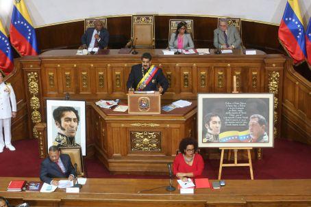 Venezuela adota novas leis contra guerra econômica