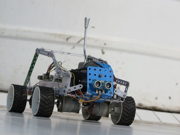 Tutorial Raspberry Pi, controla un robot mediante la voz y Windows 10