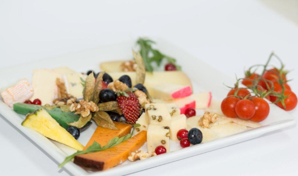 DESEO Tapas Bar - Gemischter Käseteller