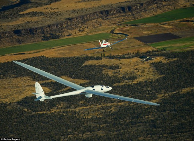 The Perlan II during a test flight in Oregon Image via Daily Mail