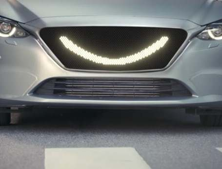 semcon-smiling-car-2-png