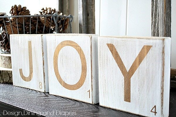 DIY Scrabble TIle Decor- great for the holidays or year round! Via @tarynatddd