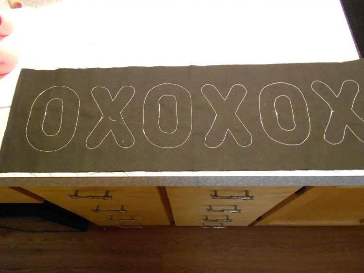 XOXOXO Pillow DSCN0513