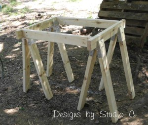 build sawhorse table brackets SANY2577