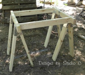 build sawhorse table brackets SANY2578