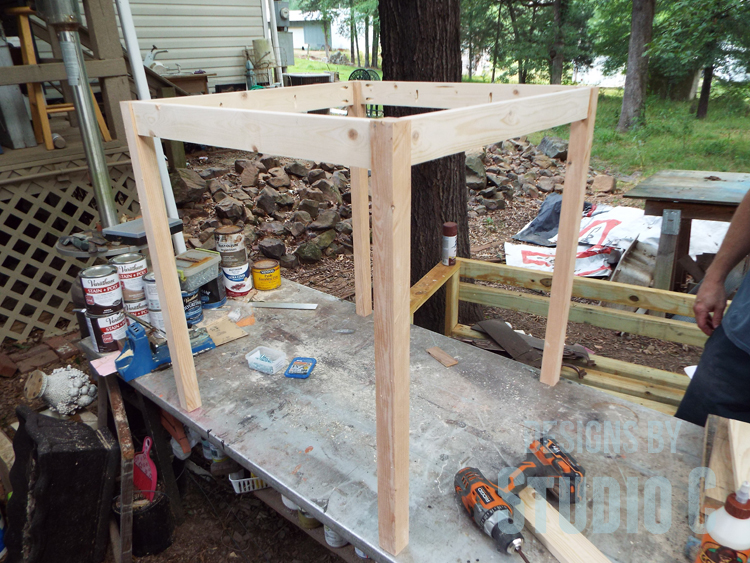 DIY Furniture Plans to Build a Simple Round Dining Table - Completed Frame